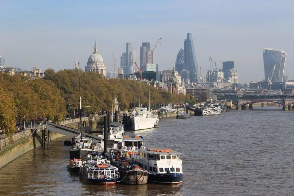 guide on what to do while in london
