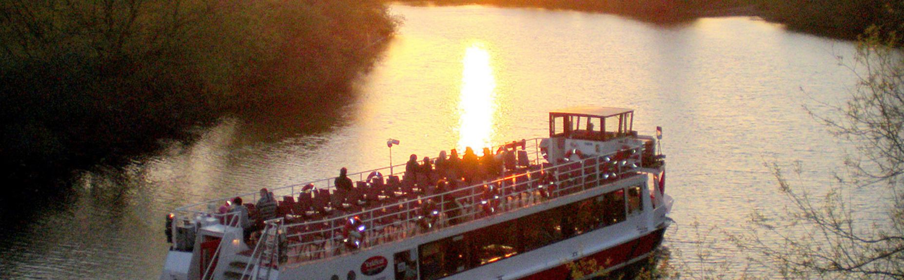 york boat tours on the water